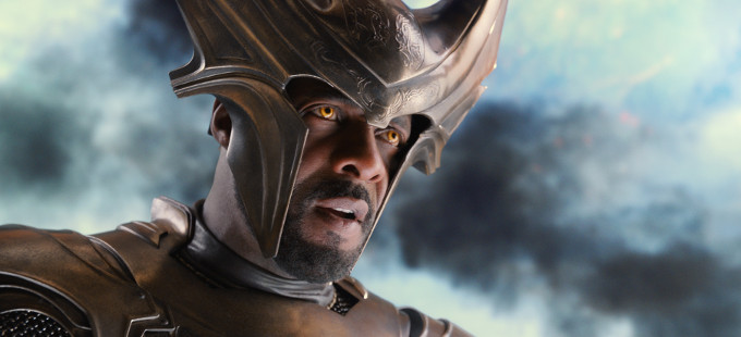 Idris Elba como Heimdall