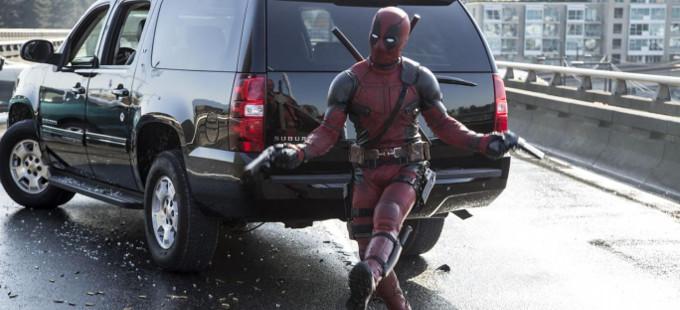 10 referencias de Deadpool con chimichangas y balazos