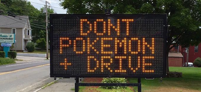 Los peligros de jugar Pokémon GO al volante